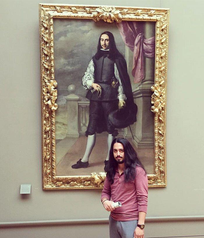 Мужчина нашел своего двойника в Лувре.