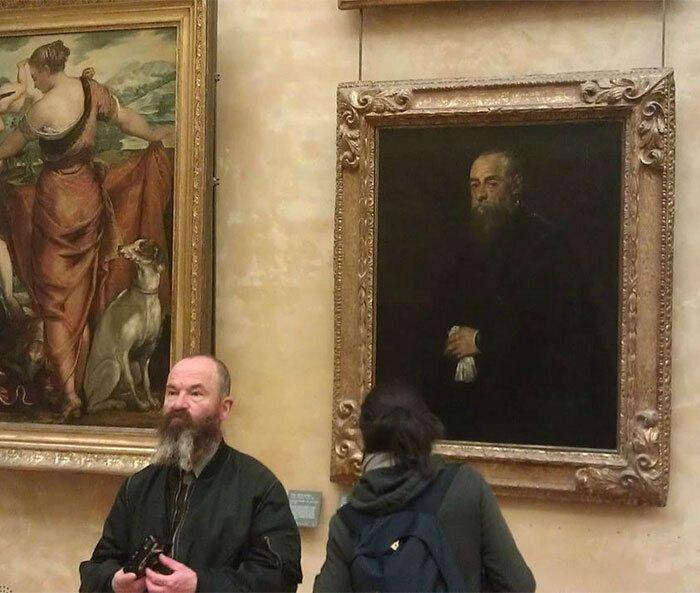 Мужчина посетил Париж и узнал себя.