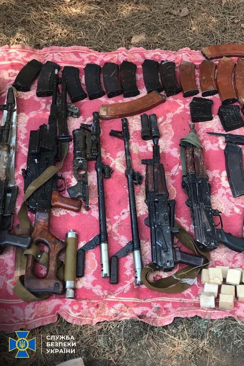Правоохоронці знайшли велику кількість зброї