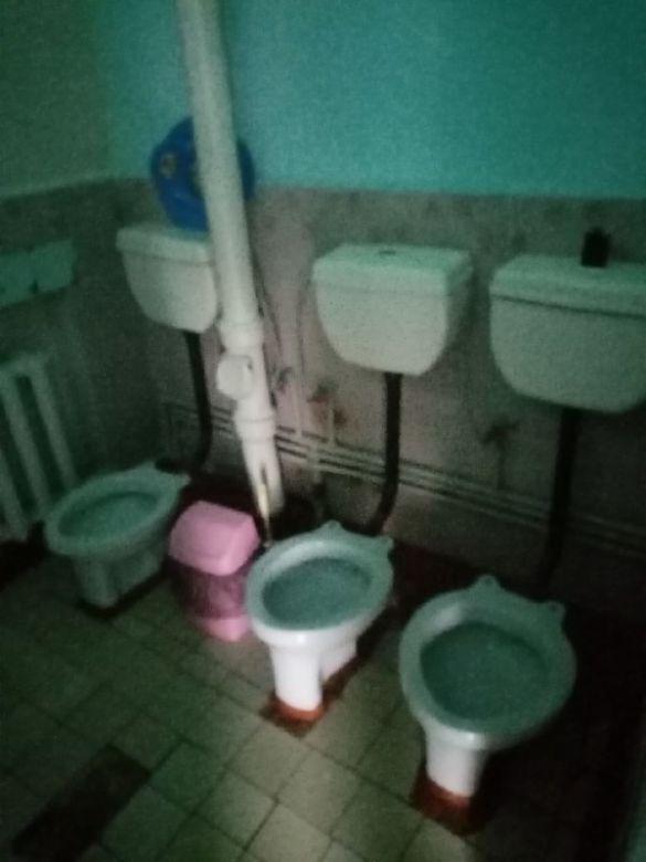 В туалетах нет воды