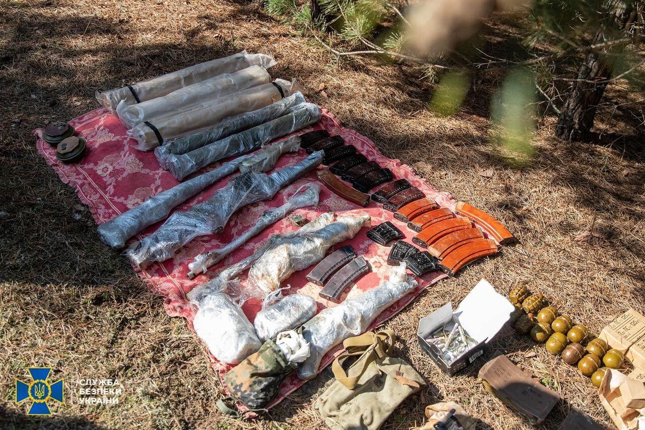 Оружие, найденное в ходе обысков