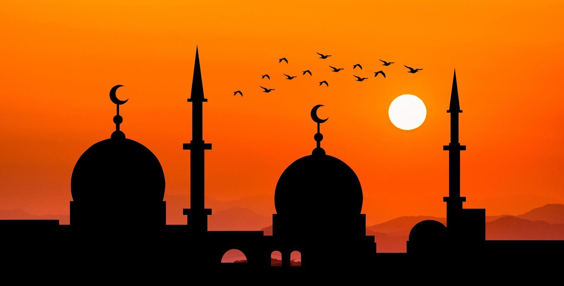 В Рамадан мусульмане полностью отказываются от употребления еды и питья в дневное время