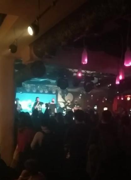 """Жадан на сцені """"Корови"""" в Харкові"""