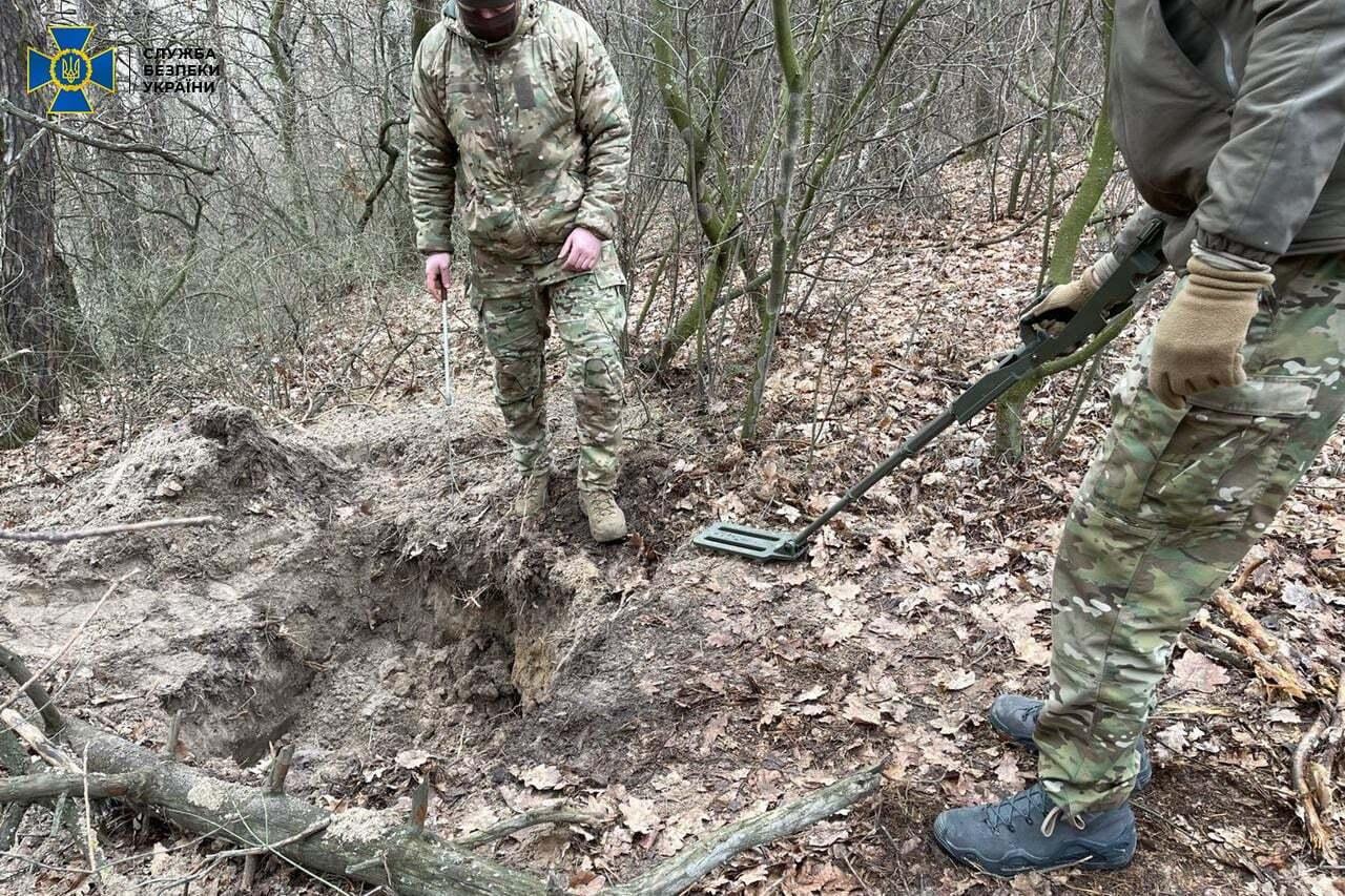"""Координати схрона терориста """"ЛНР"""" знайшли в його нотатках"""