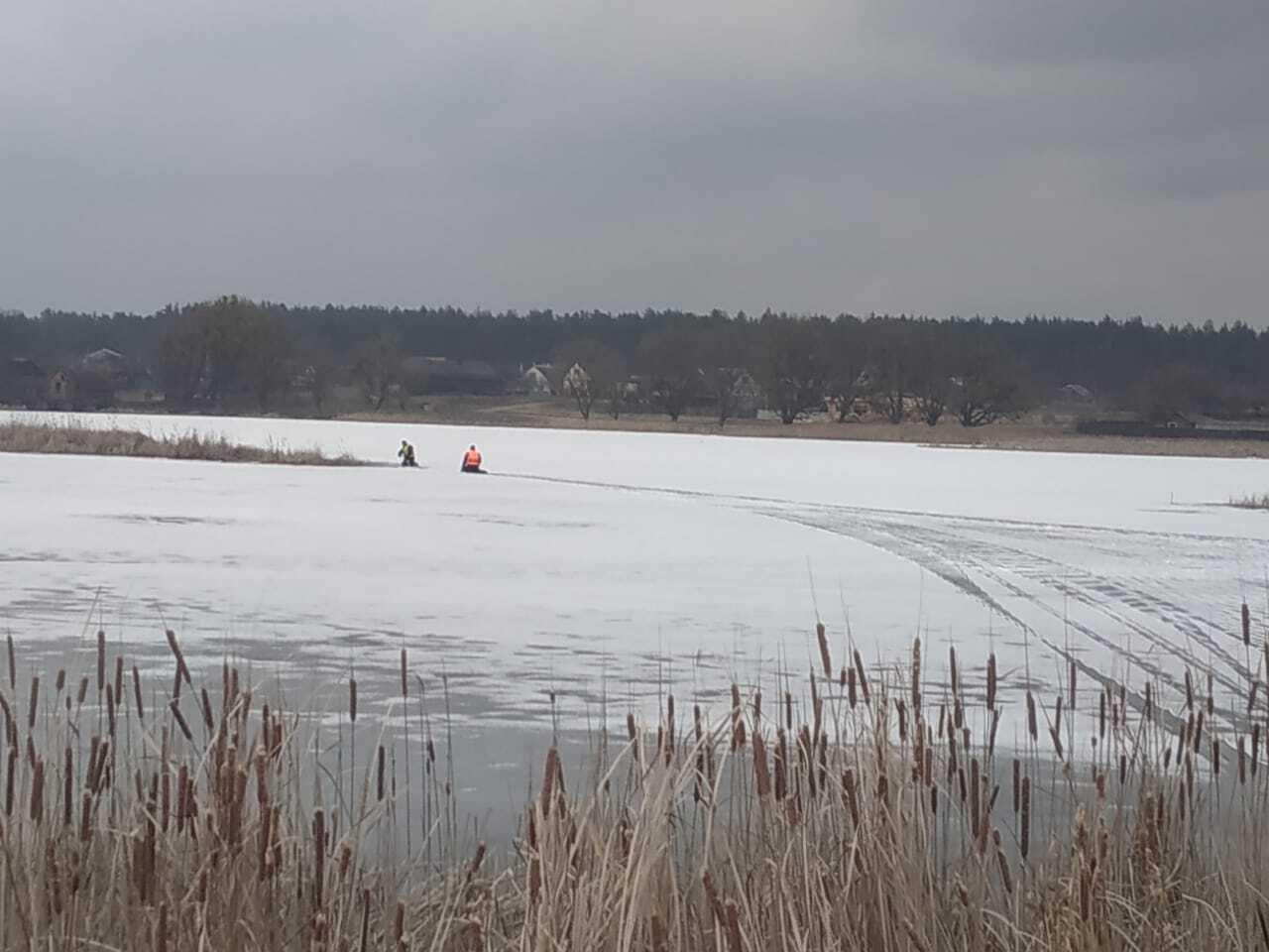Тіло хлопця знайшли на іншому березі озера