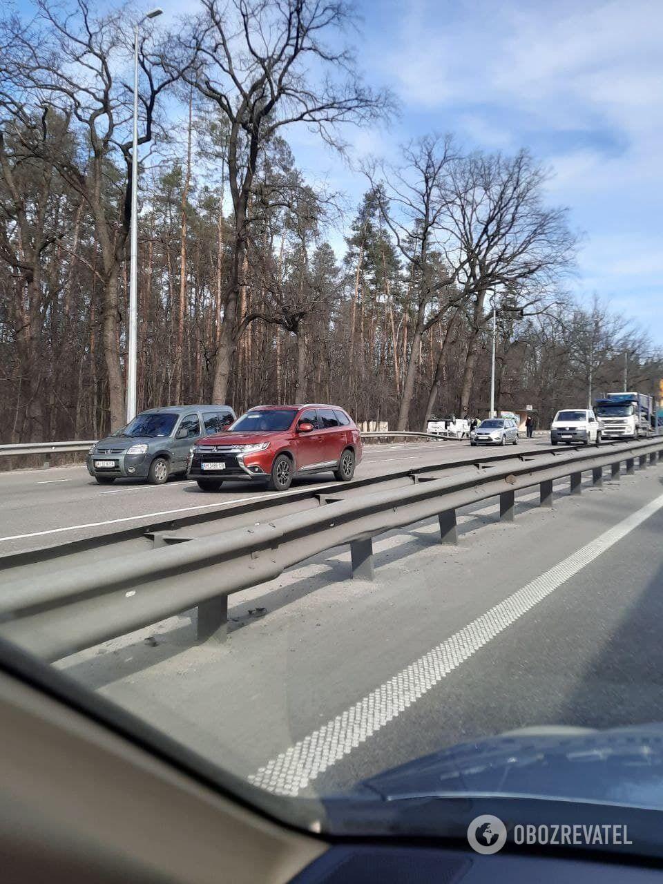 На в'їзді до Києва утворилися затори.