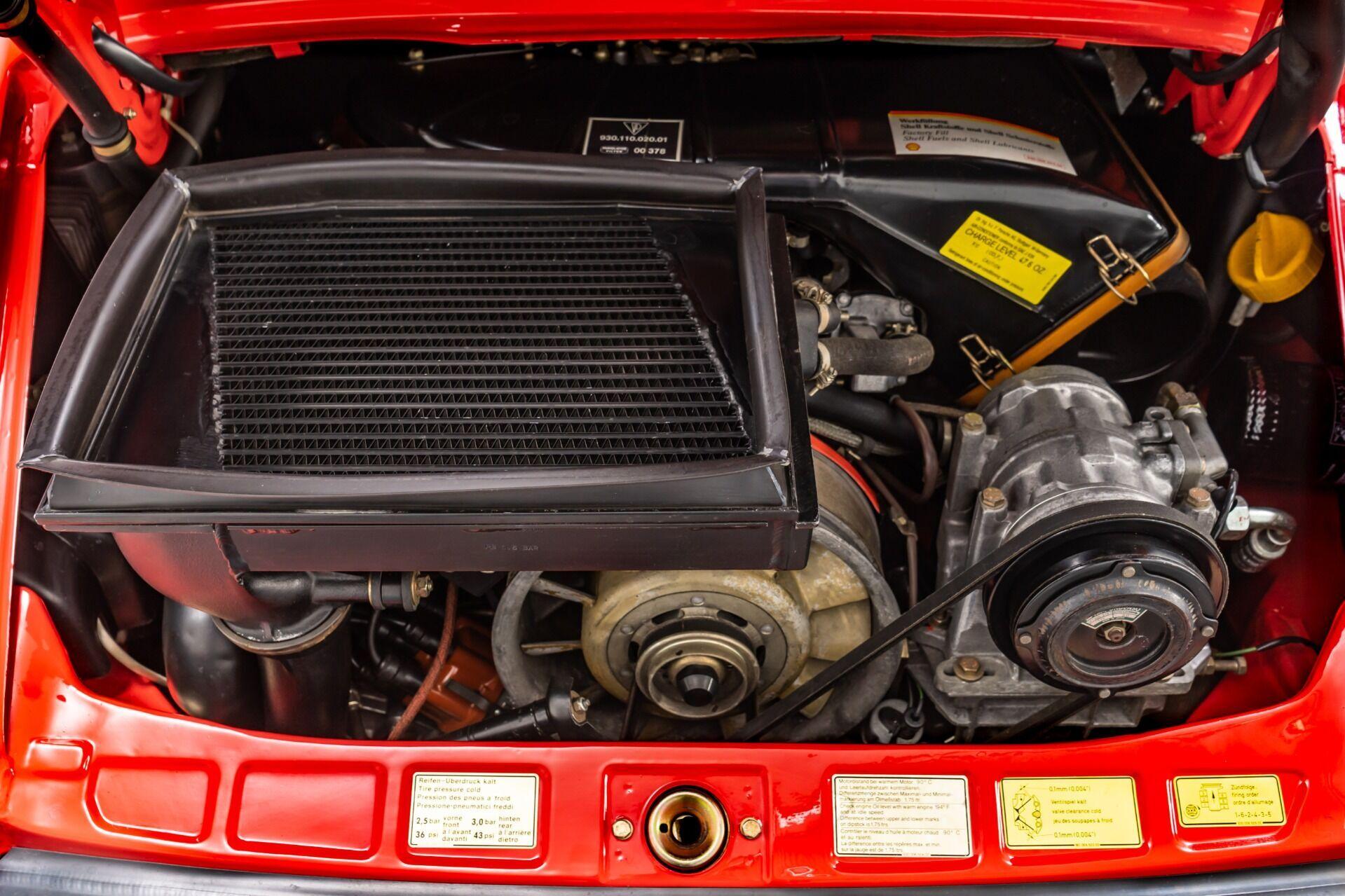 Кабріолет оснащений 3,3-літровим турбованим мотором, який розвиває 285 к.с. та 377 Нм.