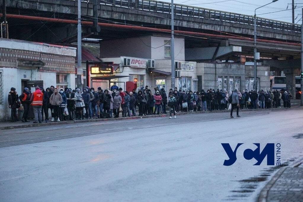 Одесса: очереди на трамвай