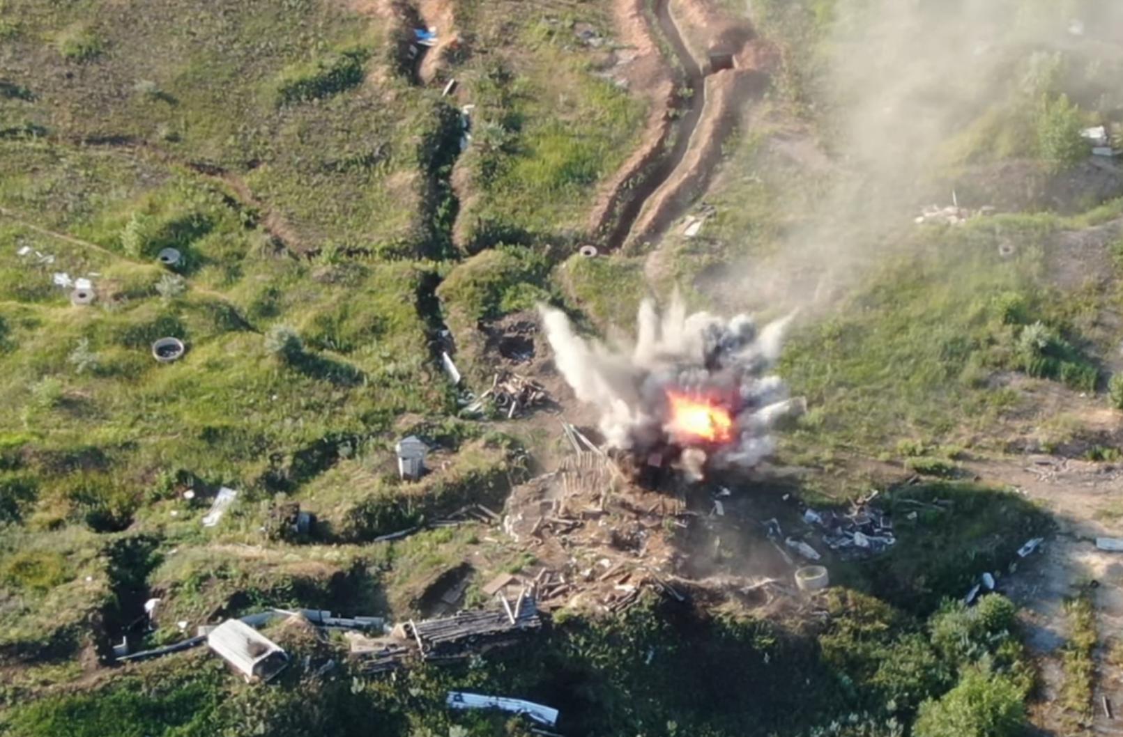 ВСУ показали момент уничтожения позиций оккупантов на Донбассе