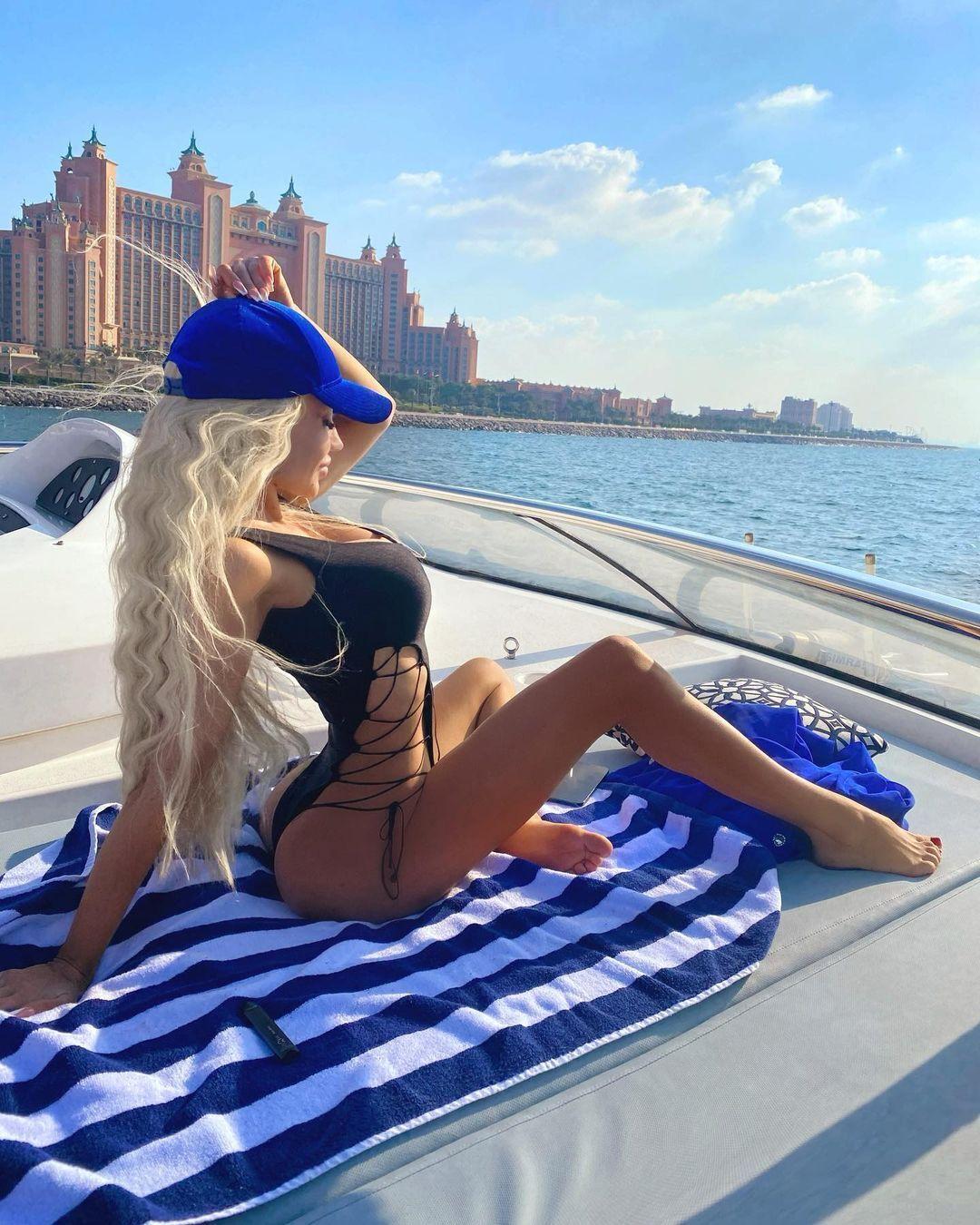 Альвіна на яхті