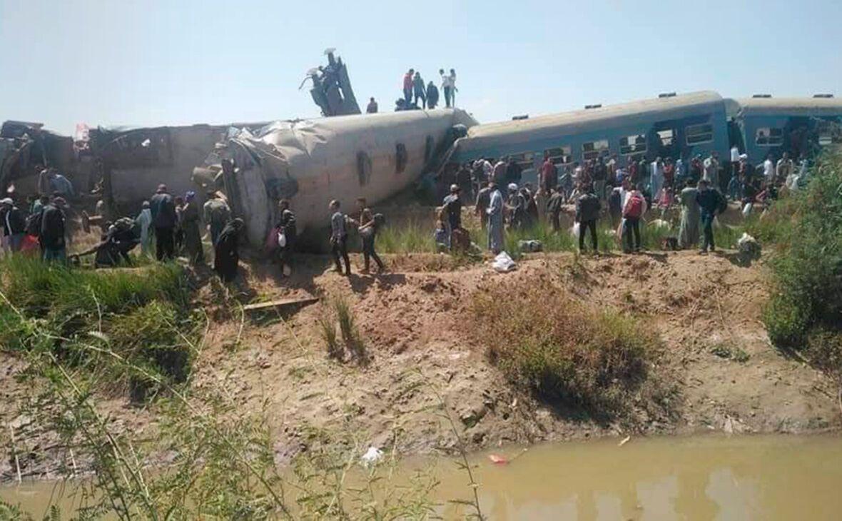 З рейок зійшли щонайменше три вагони поїзда