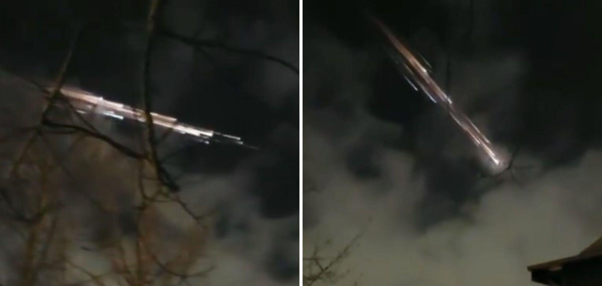 """Американцы увидели """"мистические огни"""" в небе: они оказались обломками ракеты SpaceX. Фото"""