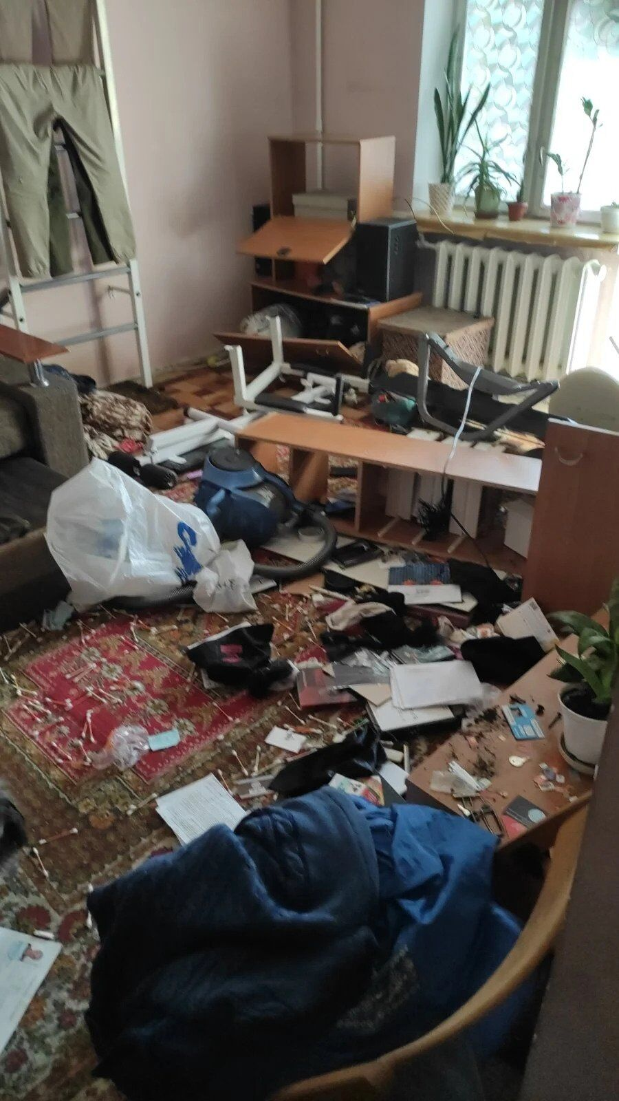Безлад у квартирі викраденого активіста