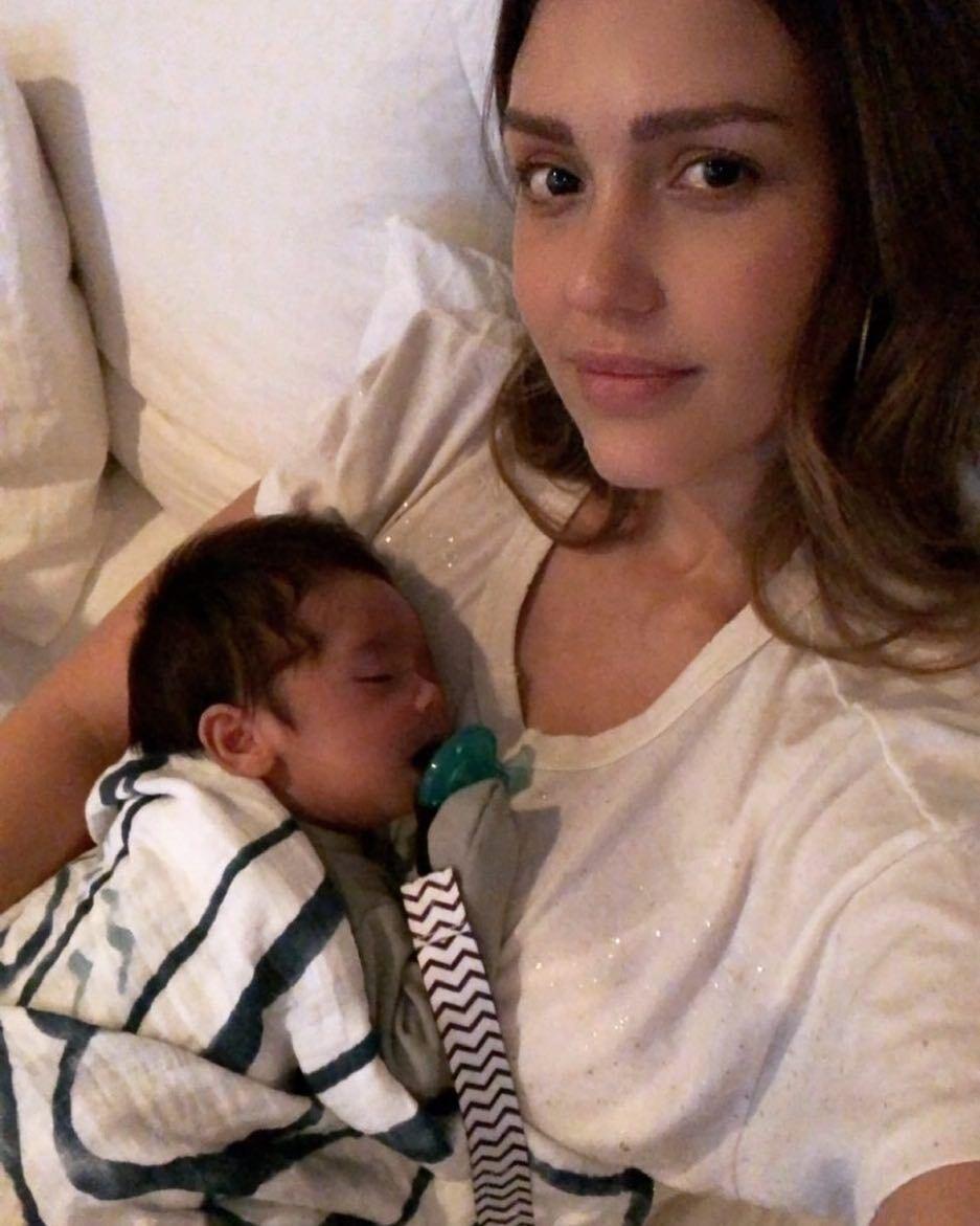Джессика Альба родила второго ребенка с помощью гипноза