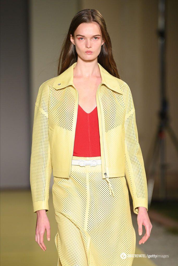 Кожаные куртки актуальны весной 2021.