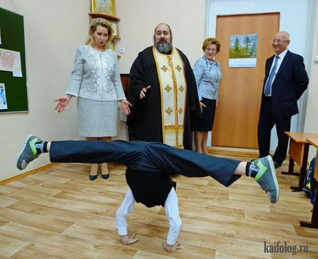 Школа циркового мистецтва: учень танцює нижній брейк