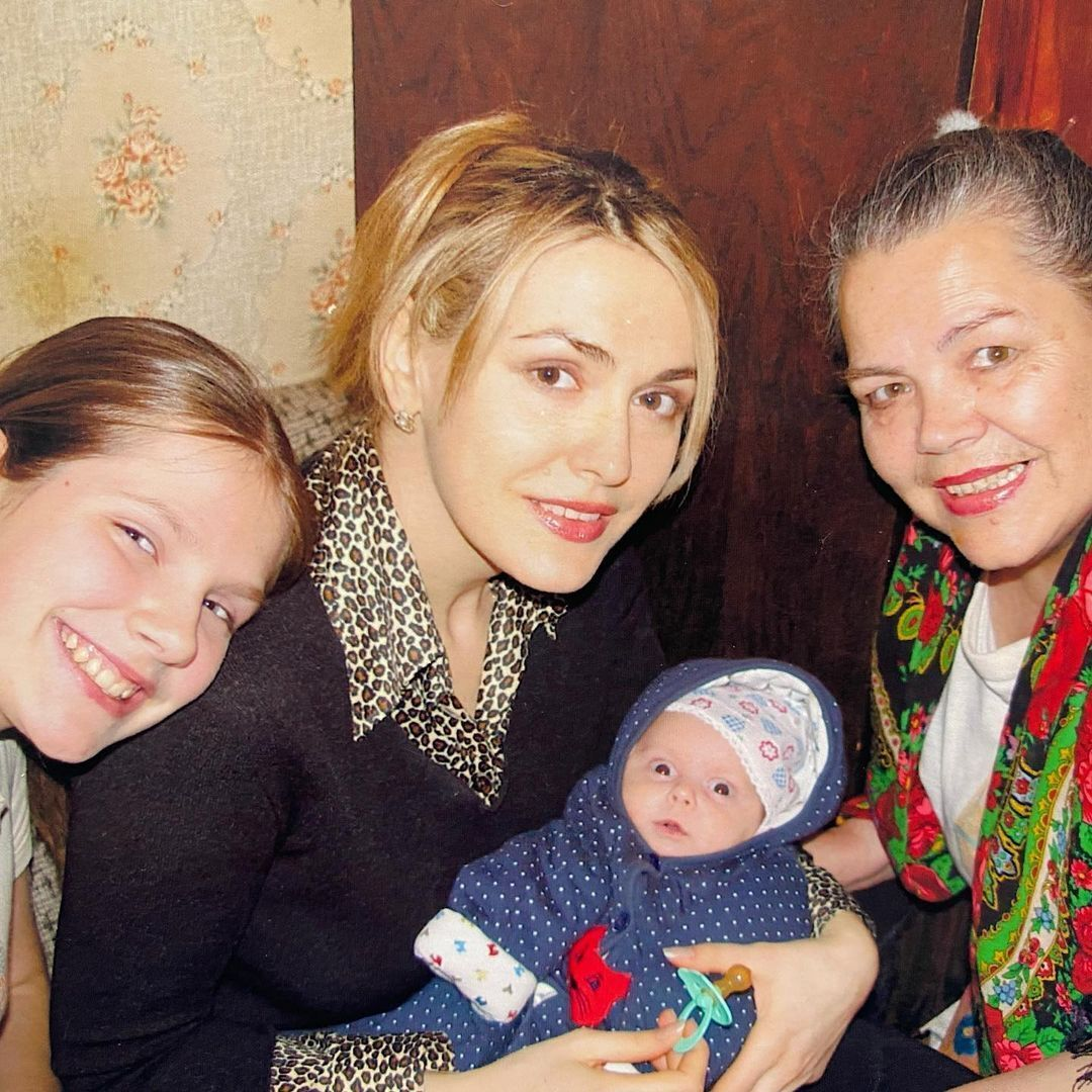 Ольга Сумская с дочерьми и мамой