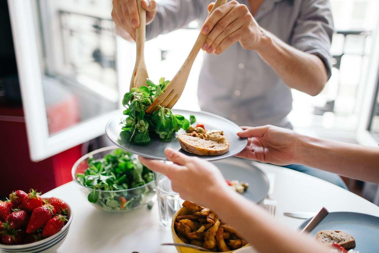 Не нужно пропускать приемы пищи для избавления от лишних килограммов