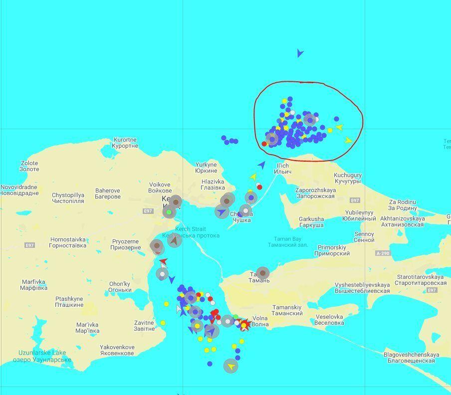 На выходе из Керченского пролива скопилось 100 судов РФ