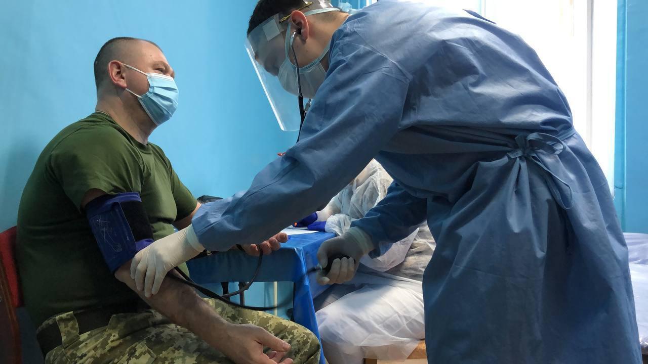 Председатель ГПСУ сделал прививку в Северодонецке