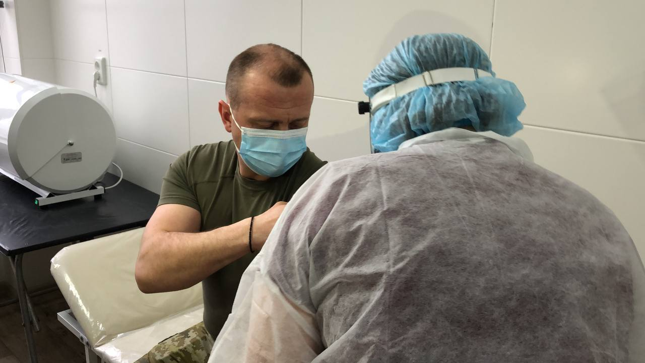 Сергій Дейнеко вакцинувався від COVID-19