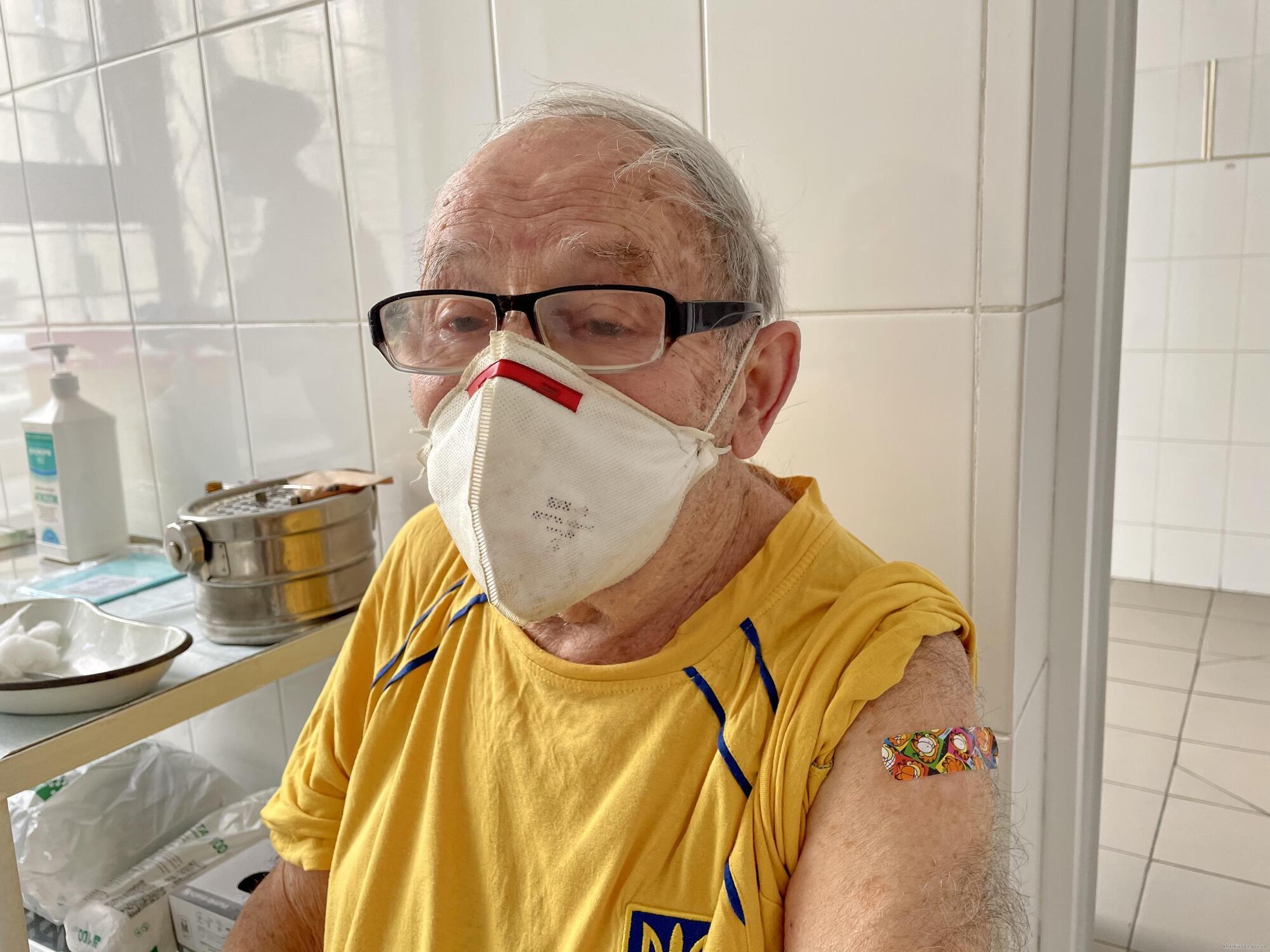 Леонид Станиславский рассказал, как чувствует себя после вакцинации