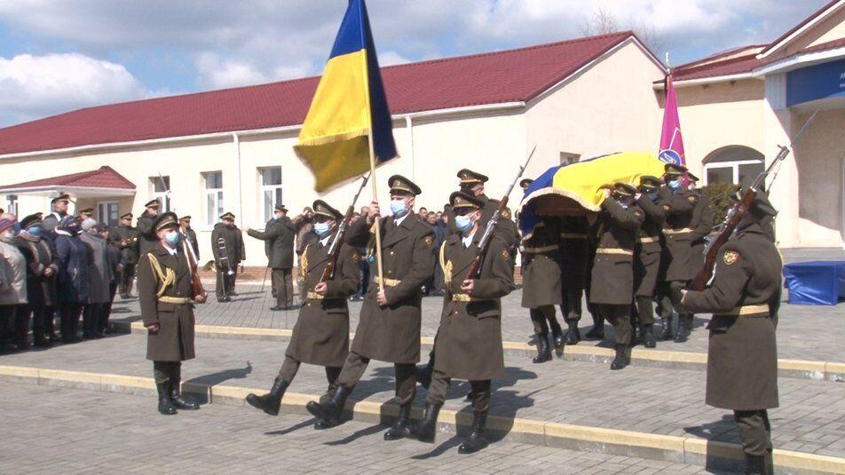 Сергія Гайченка хоронили з військовими почестями як Героя