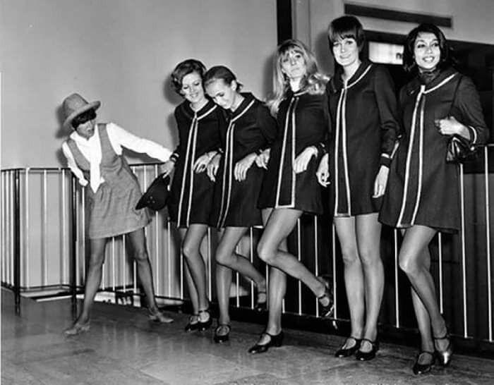 Как выглядели первые мини-юбки в мире.