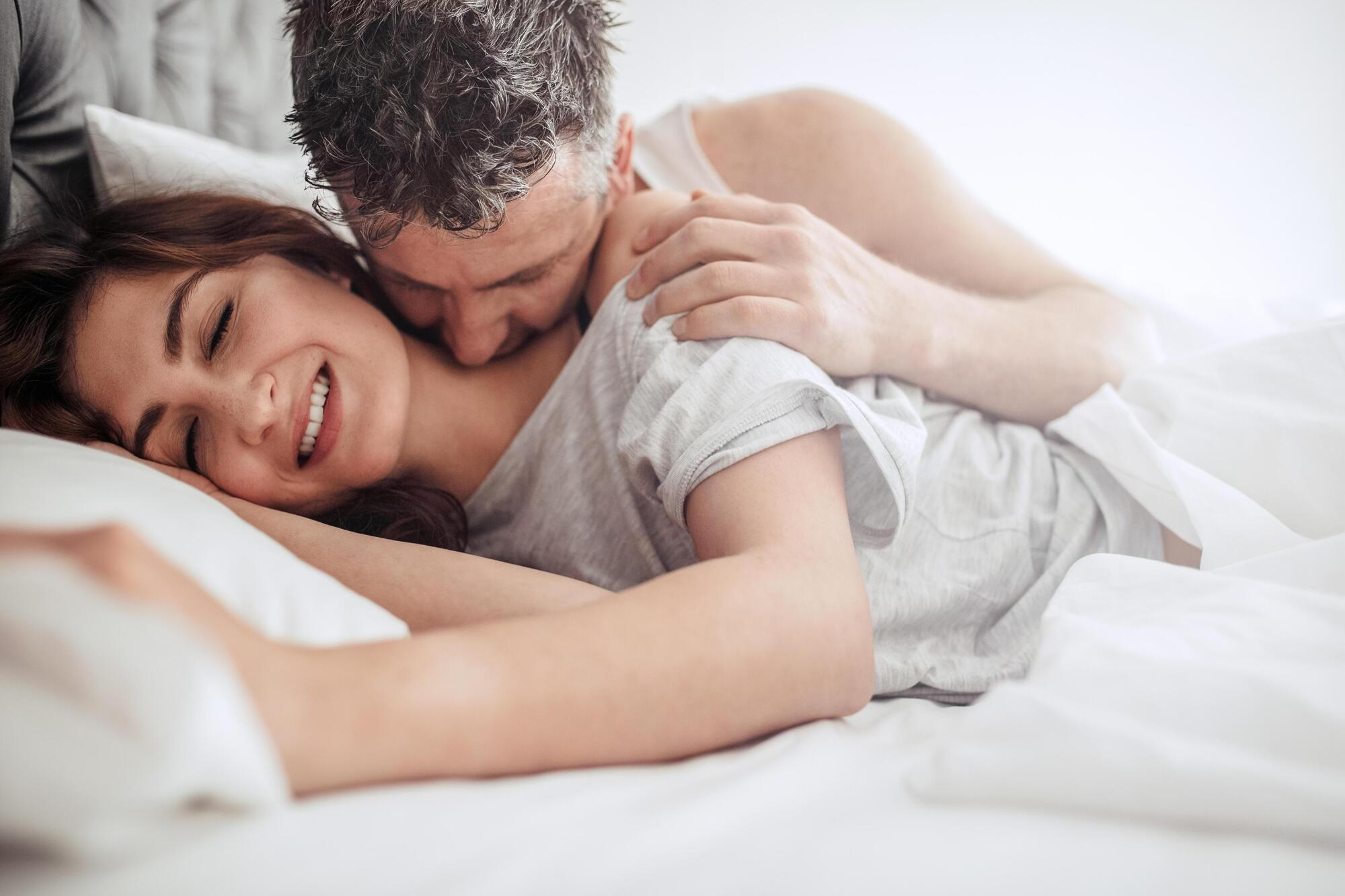 Порноакторка розповіла, як поліпшити секс у парі