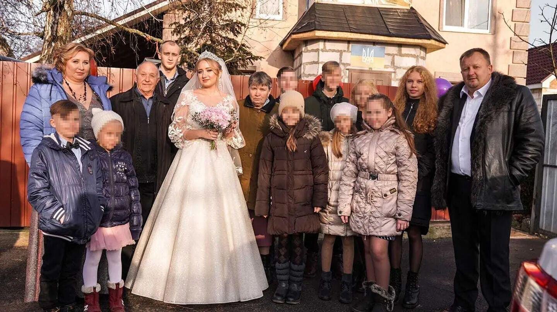 Старша дочка Олександра рік тому вийшла заміж