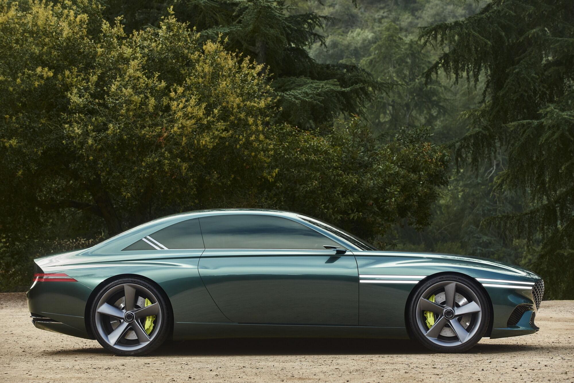 Підкреслити екологічну складову моделі покликані зелені супорта гальмівної системи, а також унікальний колір Lençоis Blue
