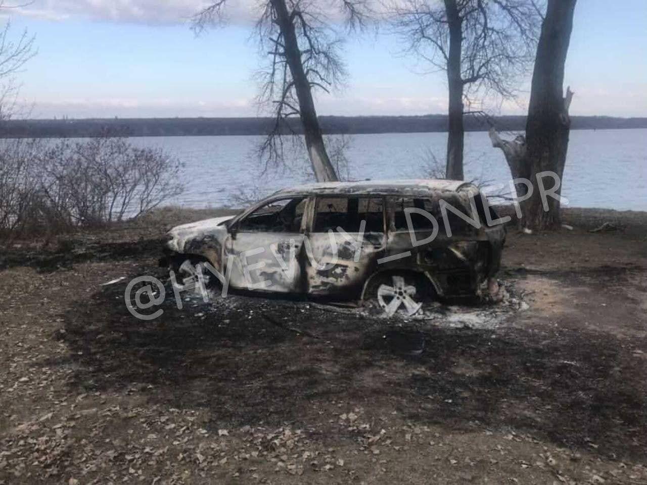 Під Дніпром у згорілому джипі знайшли останки: ЗМІ назвали ім'я можливої жертви