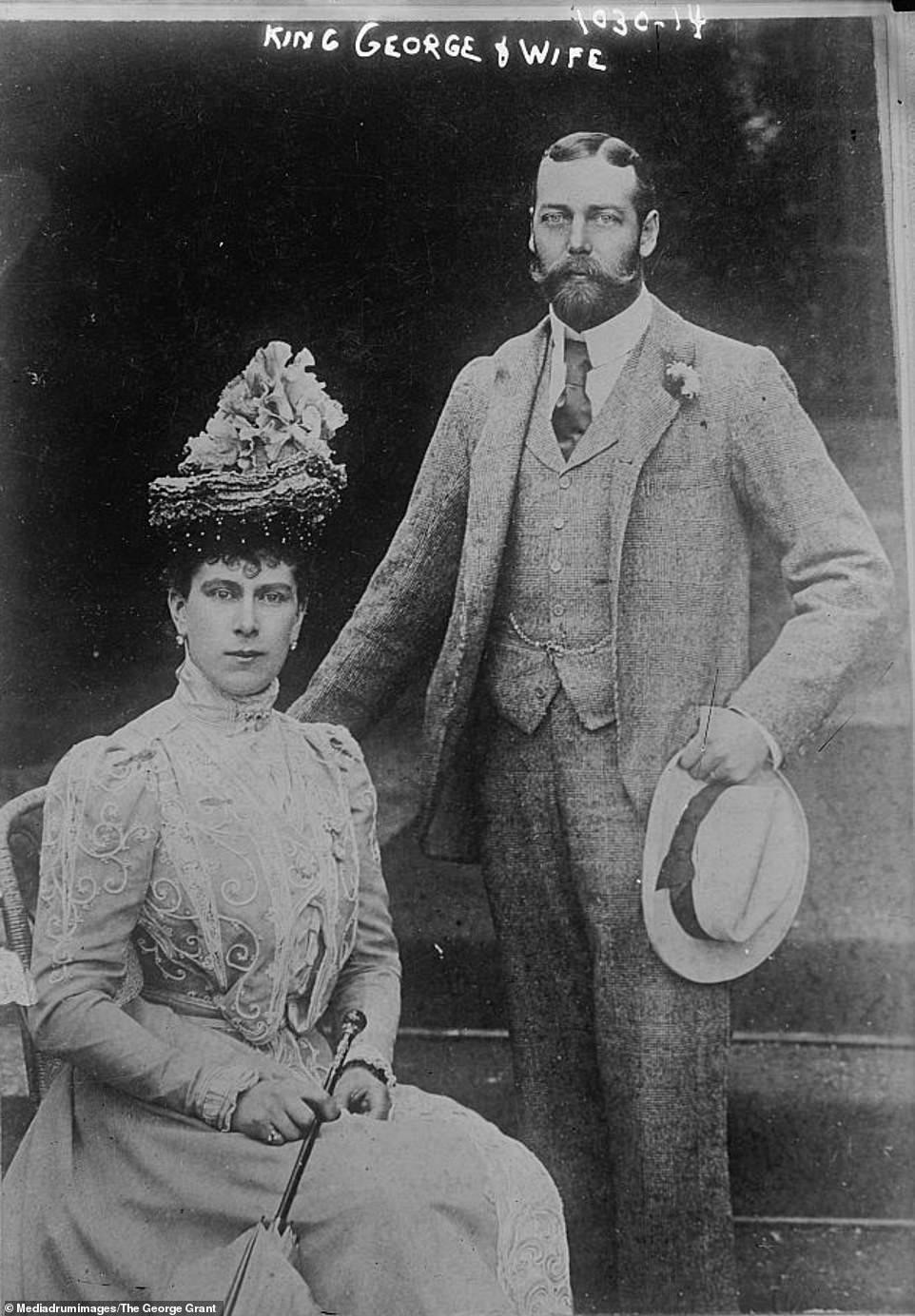 Король Георг V зі своєю дружиною