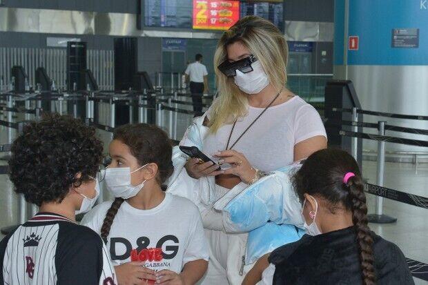Дани Соуза с детьми
