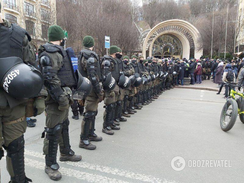 Полиция на Почтовой площади