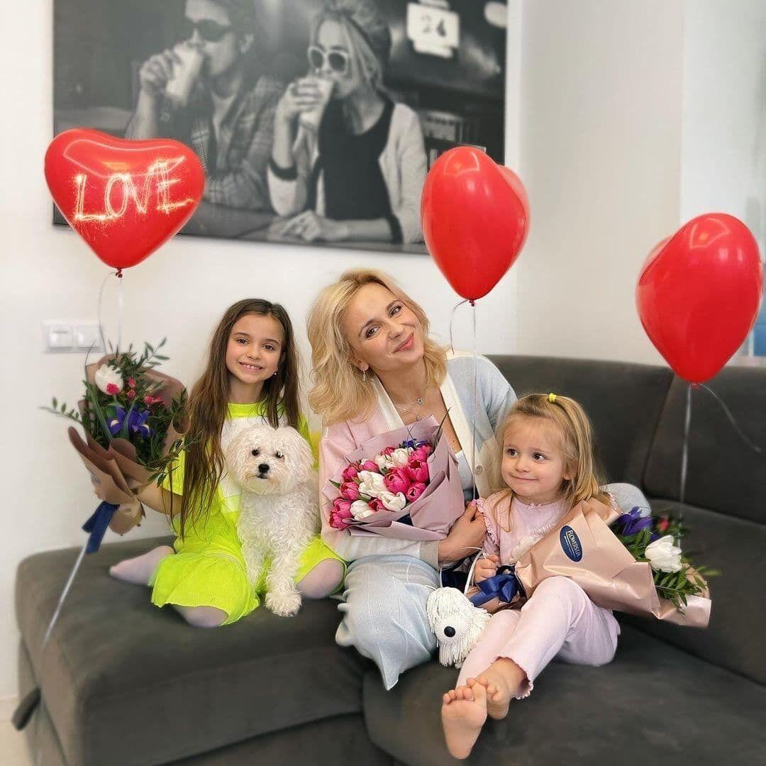 Лилия Ребрик с детьми