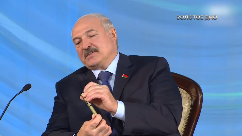 Александр Лукашенко с ручкой Montegrappa