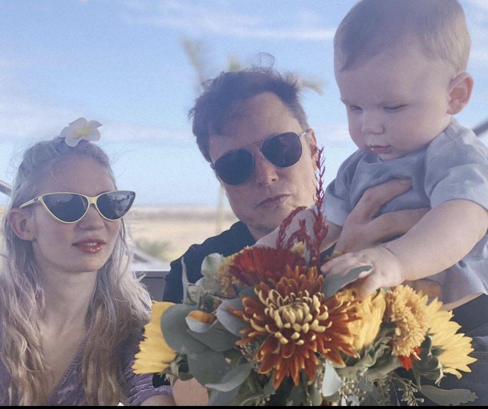 Маск с сыном и женой Граймз.