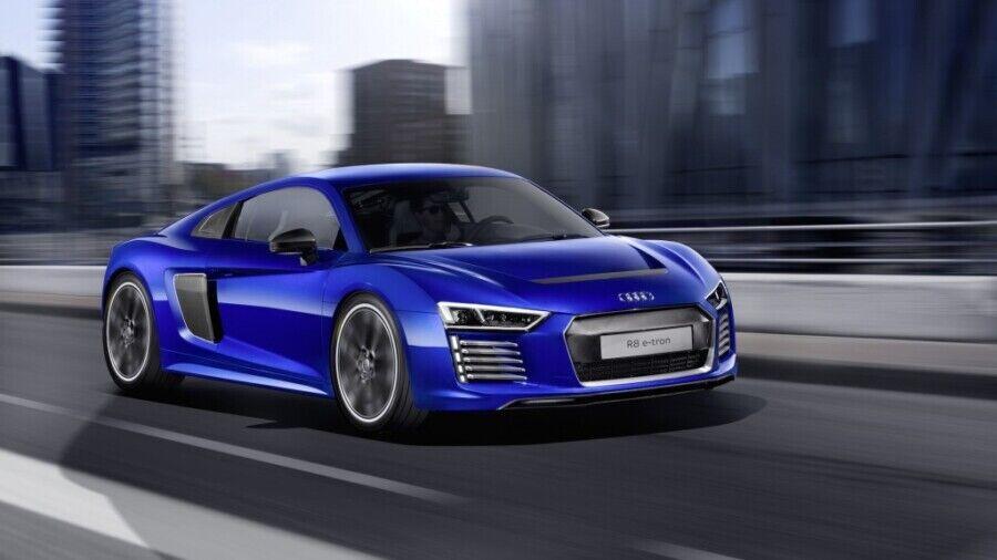 Audi R8 etron за миллион евро