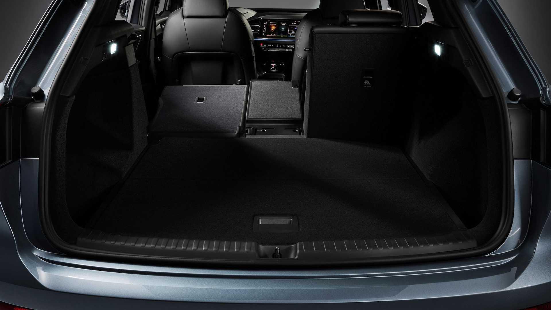 Багажник кроссовера имеет объем до 1490 литров