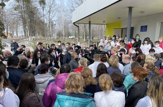 Тимошенко поспілкувалася з працівниками Васильківської лікарні