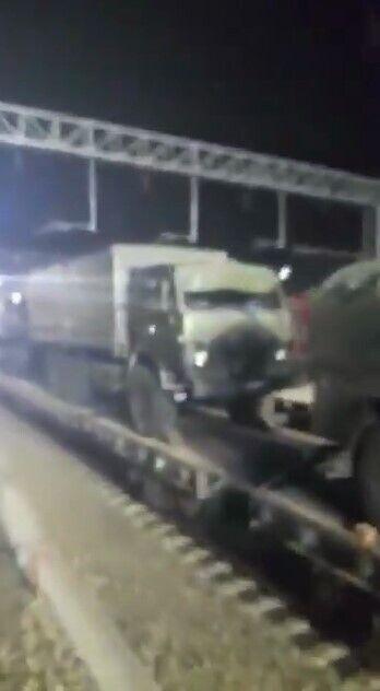 Военная техника движется в сторону оккупированного Крыма.
