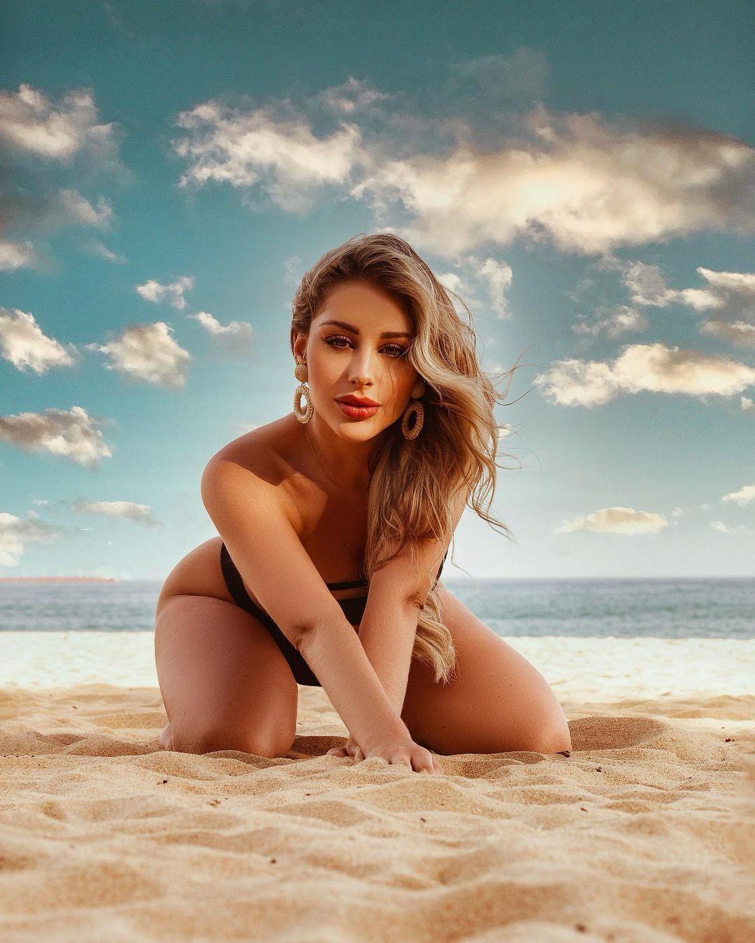 Таїс на пляжі