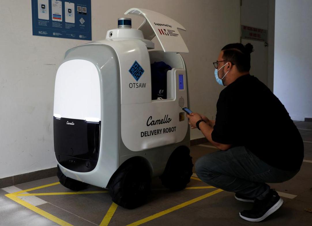 Робот может перевозить до 40 кг товаров.