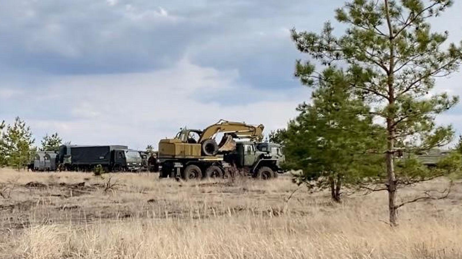 Військові вантажівки мають код 76 на держномерах