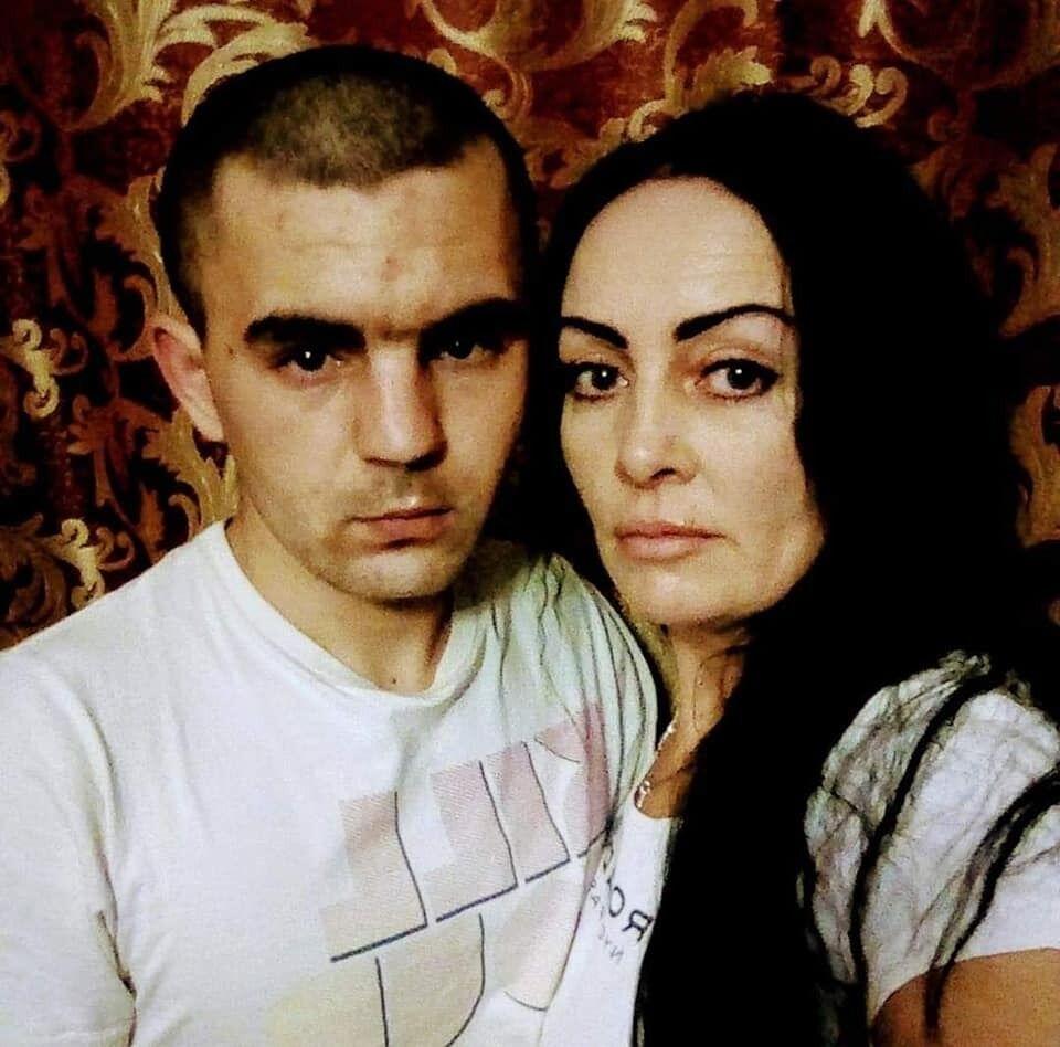 У Ярослава залишилися дружина та маленький син