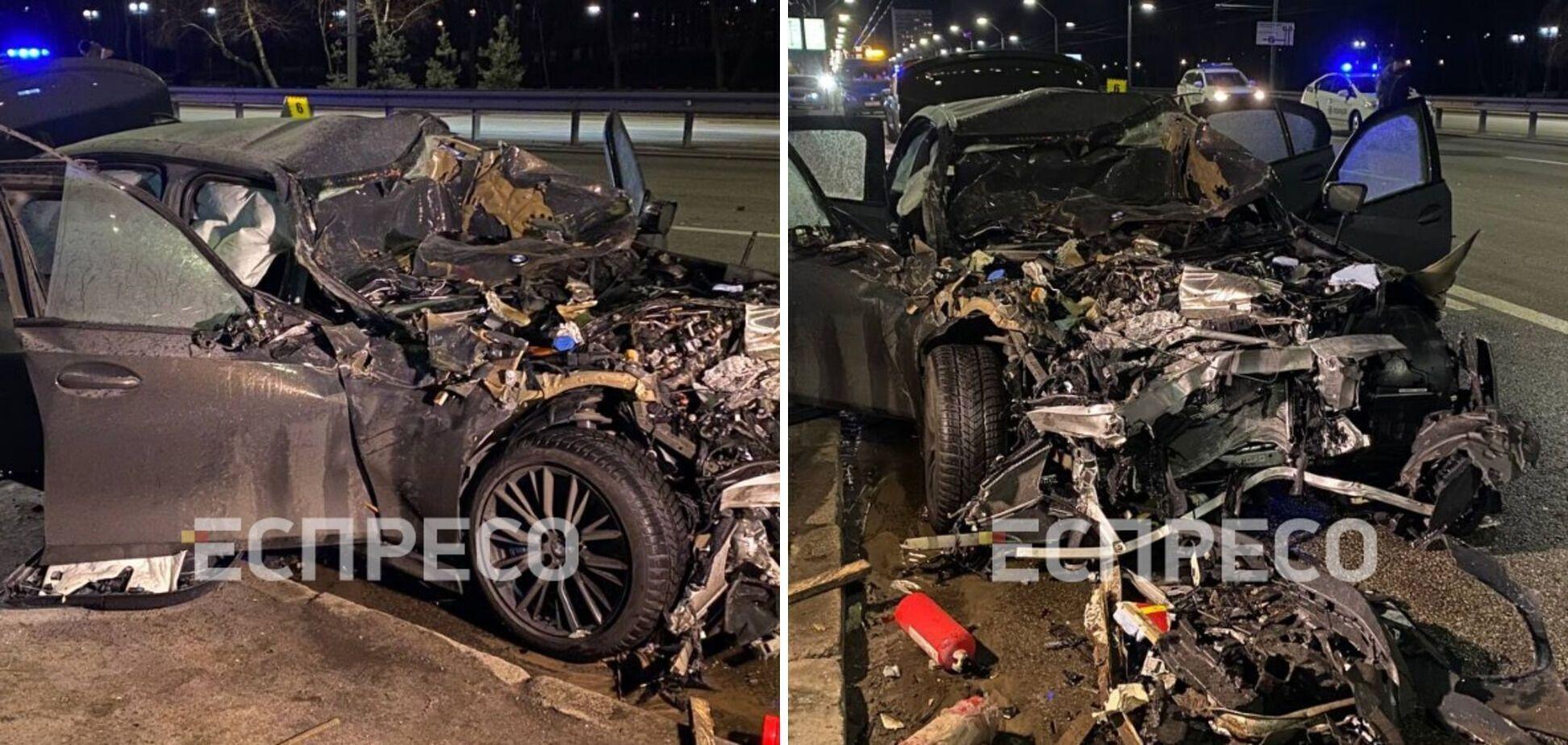 BMW на швидкості влетіла в автомобіль аварійної служби.
