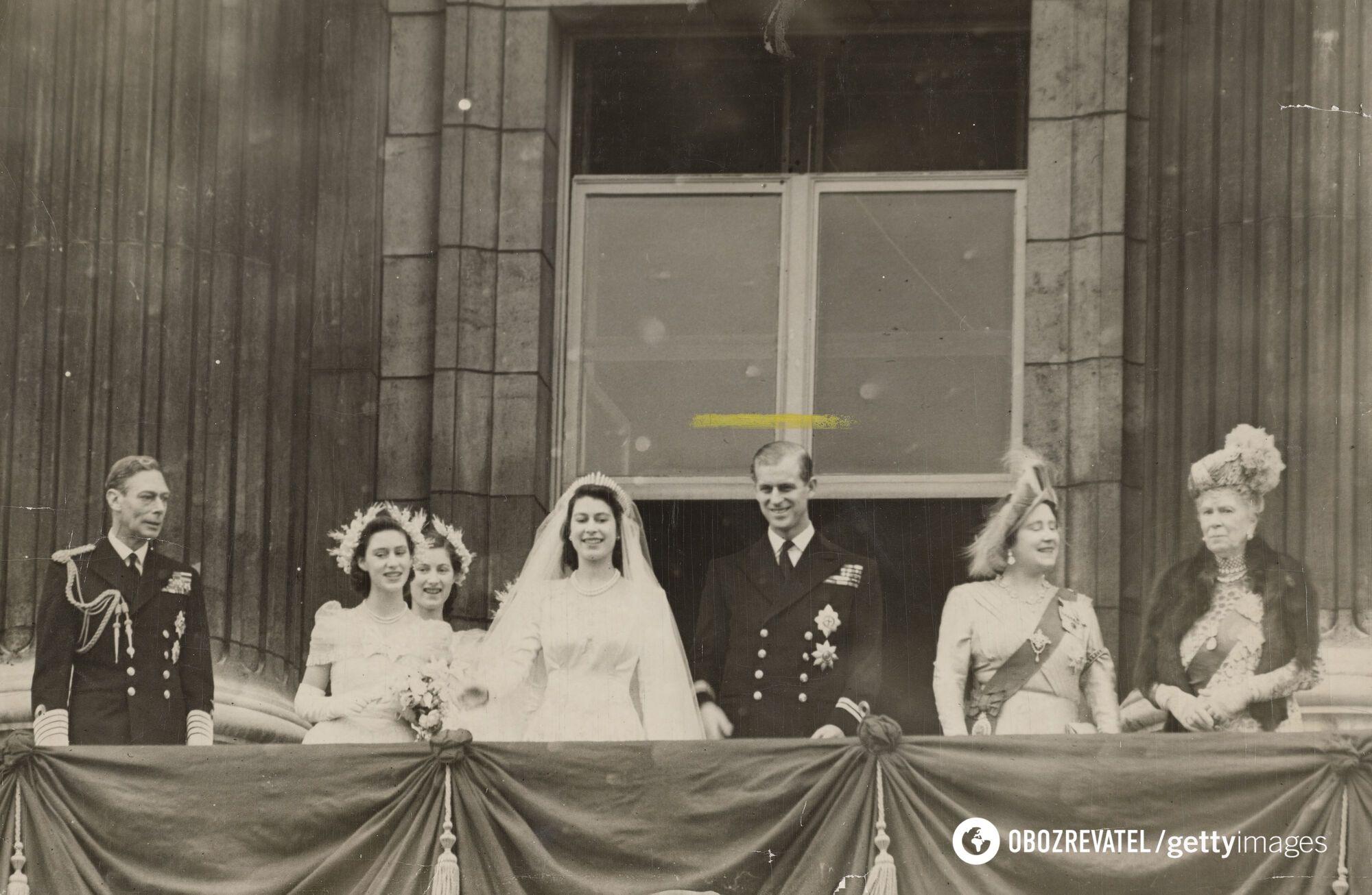 Принц Філіп зрікся своїх титулів заради одруження з Єлизаветою II
