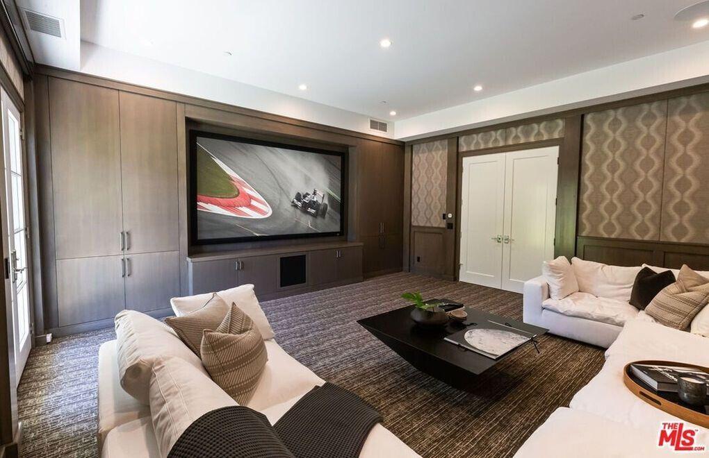 Комната Мадонны в новом особняке