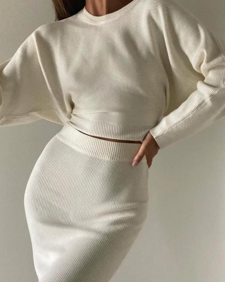 Модная трикотажная юбка